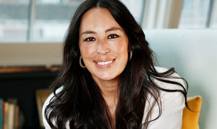 Joanna Gaines Left Fixer Upper. Find Out Her Age, Bio, Height, Family, Parents, Sibling, Net Worth